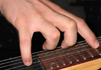 Jouer une harmonique artificielle