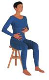 Placez la main gauche au niveau du diaphragme et main droite sur les côtes inférieures