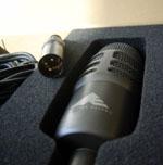 L'Audio-Technica AE2500 dans son écrin